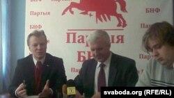 Віталь Рымашэўскі, Рыгор Кастусёў, Мікола Дземідзенка на пасяджэньні аргкамітэту Дня Волі-2011.