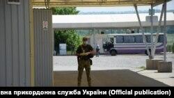 Пункт пропуску «Новотроїцьке» 7 липня, фото українських прикордонників