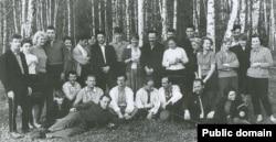 Алла Горська у колі однодумців. 1969 рік
