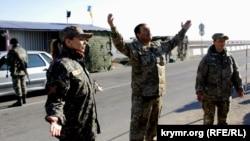 Капелани поблизу адмін кордону з Кримом в районі контрольного пункту «Чонгар» 17 жовтня 2015 року
