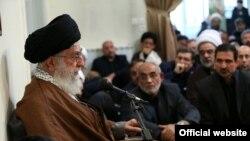 Иранның рухани жетекшісі аятолла Әли Хаменеи.