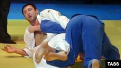 Дзюдоисты могут без специальной подготовки участвовать в соревнованиях по борьбе на поясах