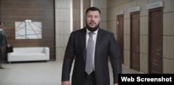 Олександр Клименко у створеному на його замовлення відеоролику про те, як він намагається повернутися до української політики