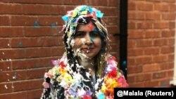 Малала святкує завершення навчання в Оксфорді