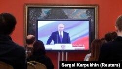 Novinari prate inauguracijski govor Vladimira Putina, Moskva