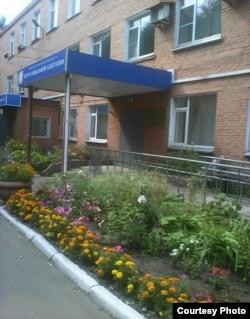 Әбдірешид Кушаев орналасқан бейімдеу орталығы. Омбы, 20 тамыз 2015 жыл.