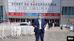 """Министерот за здравство, Венко Филипче пред СЦ """"Борис Трајковски"""" во Скопје каде се врши вакцинацијата- 6 април 2021"""