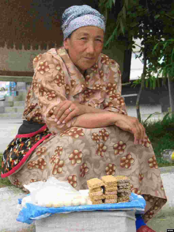 Uzbek Women Today #28
