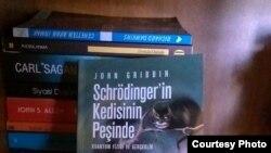 """John Gribbin, """"Schrödinger'in pişiyi"""" kitabı"""