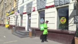 """Что происходит с бизнесом """"на каникулах"""" в России"""