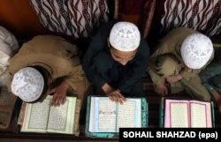 Students at the Islamic Theological School in Darul Ulom Hakania.
