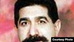 يوسف عزيزی بنی طرف از اعضای کانون نويسندگان ایران و عضو افتخاری اتحاديه نويسندگان عرب است و دست کم ۲۵ عنوان کتاب تاليف و ترجمه کرده است.