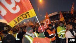 Workes strike at the refinery of French oil giant Total in Donges