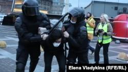 Задержания в Петербурге, Россия, 21 апреля 2021 года