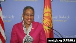 Посол США в Кыргызстане Памела Спратлен, 24 мая 2011 года.