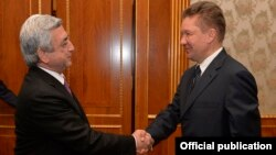 Armenia - Serzh Sarkisian (L), President of Armenia, meets with Russian Gazprom chief Alexey Miller, Yerevan,25Oct,2016