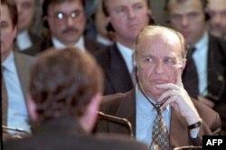 Predsjednik predsjedništva BiH Alija Izetbegović prvog dana mirovnih pregovora 1. novembra 1995. godine.