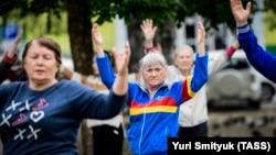 Мастер-класс по дыхательной и оздоровительной гимнастике цигун для пожилых людей во Владивостоке, иллюстрационное фото