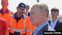 Путін 27 серпня проїхав на автомобілі по новій ділянці траси «Таврида» в анексованому Криму