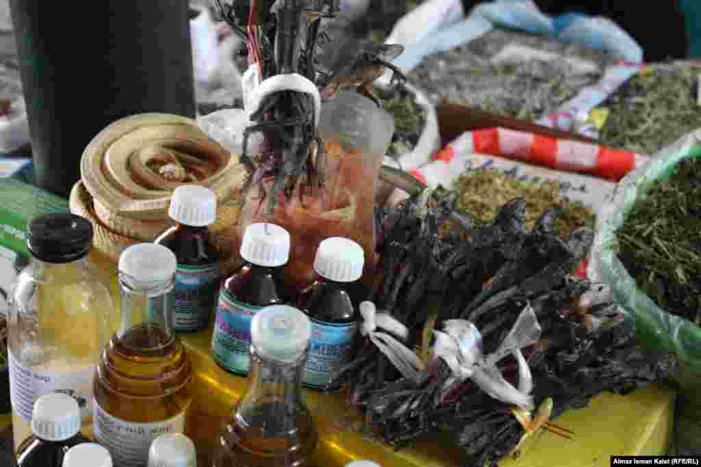 Сушенные особым способом лягушки - прекрасное народное средство от многих заболеваний.