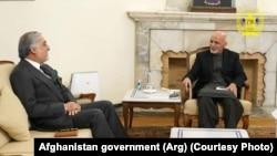 محمد اشرف غنی رئیس جمهور و عبدالله عبدالله رئیس شورای عالی مصالحه ملی افغانستان