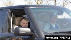 «Прорыв» Джемилева. Шесть лет назад лидер крымских татар пытался попасть на родину (фотогалерея)