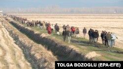 Migranti u blizini tursko-grčke granice, mart 2020.