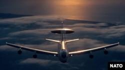Самолет НАТО, оборудованный системой раннего предупреждения АВАКС