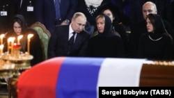 Владимир Путин и Елена Батурина
