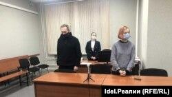 Юлия Бабинцева и её защитник