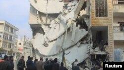 После удара российской авиации в городе Идлиб в Сирии