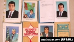 Turkmenistan -- School textbooks with former president Saparmurad Niyazov's picture
