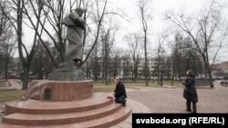 Помнік Тарасу Шаўчэнку ў раёне Старажоўка