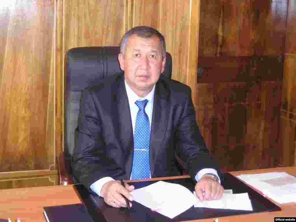 Кубатбек Боронов, министр чрезвычайных ситуаций.