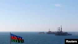Ilustrim, Flamuri i Azerbajxhanit