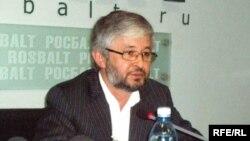 Дододжон Атовуллоев
