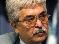 انتقال محمد سیفزاده وکیل دادگستری به بیمارستان