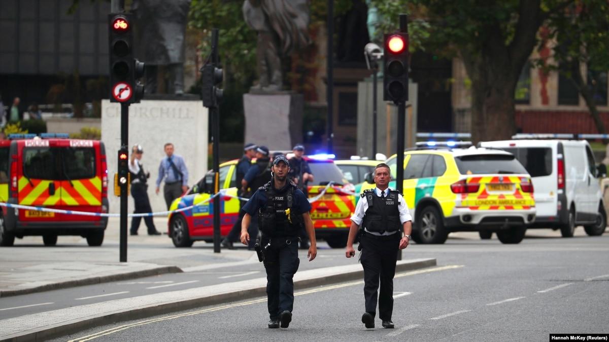 Теракт у Британского парламента: полиция открыла расследование ( )