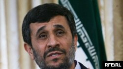 Iranian President Mahmud Ahmadinejad has suggested holding a referendum on his proposals.