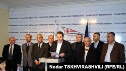 Оппозиционеры считают, что это может стать сигналом к новой волне протестов в Тбилиси