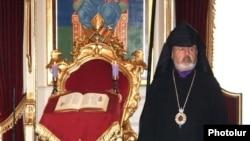 Պոլսո Հայոց պատրիարք Արամ Աթեշյանը: