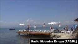 Илустрација, плажа во Охрид