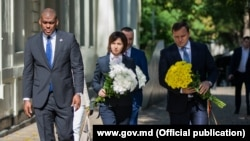 Ambasadorul SUA, Dereck J Hogan, prim-ministra Maia Sandu și ministrul Afacerilor Interne, Andrei Năstase, 11 septembrie 2019
