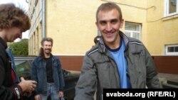 Зьміцер Шурхай пасьля выхаду зь мінулых «сутак» у Берасьці.