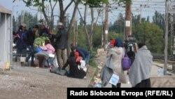 Мигранти на граничниот премин Табановце.