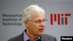 بینگت هولمستروماقتصاددان فنلندی