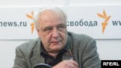 Буковский написал к книге Литвиненко предисловие и представил ее лондонской публике