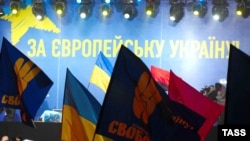 The participation of political parties, which were quick to unfurl their banners on November 24, has deterred many Ukrainians from joining the protests.