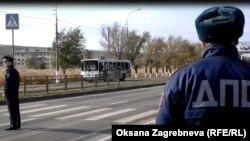 Взорвавшийся автобус на улице Лазоревой в Волгограде