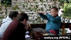Журналист Сергей Дуванов. Алматы, 13 октября 2016 года.